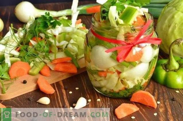 Sałatka z marynowanych warzyw na zimę