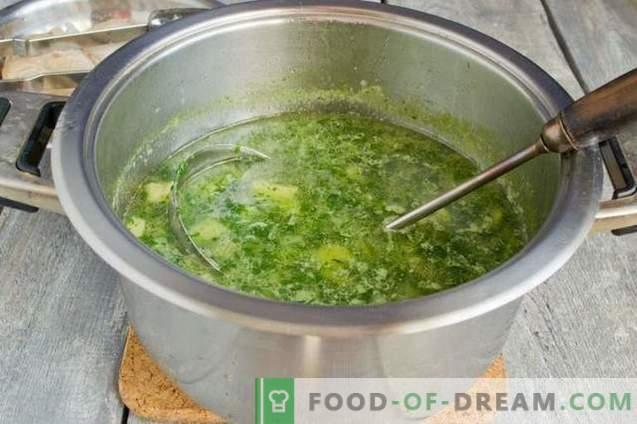 Zupa z zielonego szpinaku