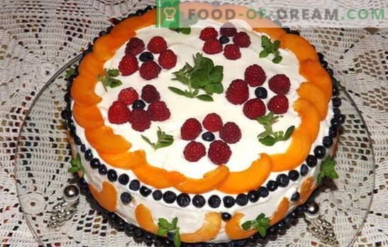 Ciasto ze śmietaną z owocami - szczęście słodyczy! Przepisy smetannyh ciasto z owocami: herbatniki, galaretki, bez pieczenia