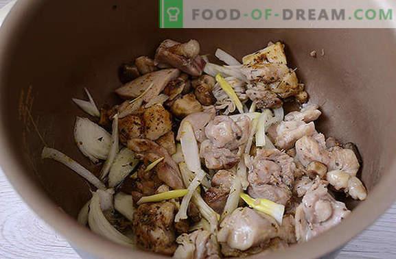Duszony kurczak z grzybami: gotuj pachnące uda na wakacje i każdego dnia. Autorski przepis na gotowanie kurczaka z grzybami w śmietanie