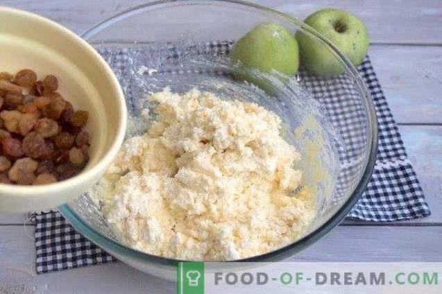Cheesecake-taart met appels en rozijnen
