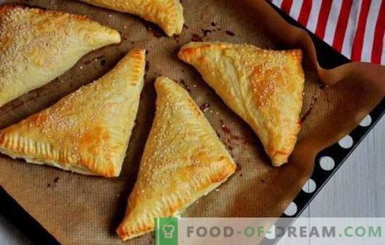 Chrupki z twarogiem: słodkie, słone, w piekarniku i na patelni. Przepisy na różne wypieki z ciasta francuskiego z serem