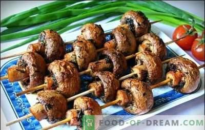 Marinade voor champignons - de beste recepten voor geurige paddenstoelen. Marinade voor champignons op de grill op basis van zure room, sojasaus, wijn