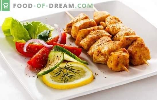 Szaszłyk z polędwicy z kurczaka to smaczna wersja budżetu na ucztę. Najlepsze przepisy na kebab z kurczaka