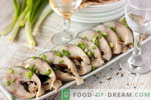 Solona makrela - najlepsze przepisy. Jak marynować makrele w domu.