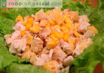 Sałatka z krakersami i kukurydzą - najlepsze przepisy. Jak właściwie i smacznie przygotować sałatkę z krakersami i kukurydzą.