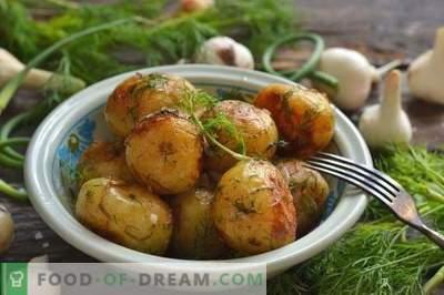 Nowe ziemniaki smażone na patelni