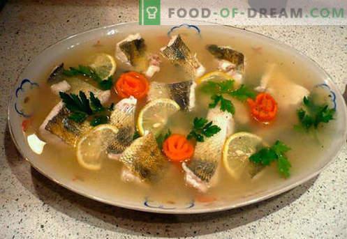 Ryby morskie - najlepsze przepisy. Jak prawidłowo i smacznie gotować rybę z wypełniaczem.