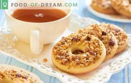 Бисквитки, както в детството - рецепти за вкусна носталгия! Готвене у дома на мляко, орехи, пясък, къпини, както в детството