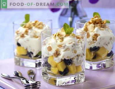 Sałatka owocowa z jogurtem - pięć najlepszych receptur. Jak prawidłowo i smacznie przygotować sałatkę owocową z jogurtem.