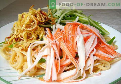 Japoński makaron to najlepsze przepisy. Jak prawidłowo i smacznie gotować japoński makaron w domu.