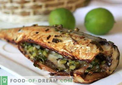 Makrela w piekarniku - najlepsze przepisy. Jak gotować makrele w folii upieczonej w piekarniku.
