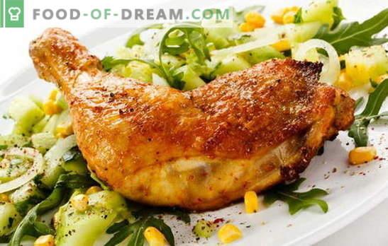 Smażone udka z kurczaka na patelni - klasyczny sposób na gotowanie mięsa. Przepisy smażonych udek z kurczaka na patelni z czosnkiem, pomidorem