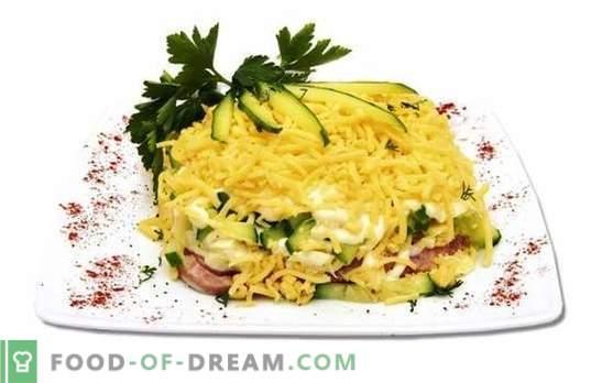 Салата с шунка, краставици и сирене е лека и подхранваща. Варианти за приготвяне на салата от шунка, краставица и сирене