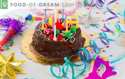 Przygotowujemy ciasto w domu na nasze urodziny (zdjęcie)! Przepisy na różne domowe ciasta urodzinowe ze zdjęciami
