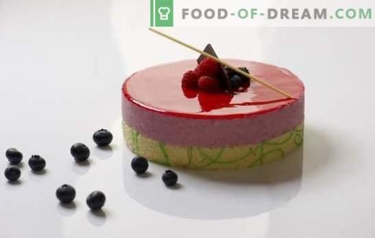 Lustrzana glazura - niesamowity połysk na deserze. Jak prawidłowo przygotować i używać lustrzanego szkliwa?