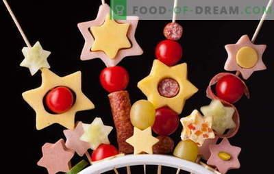Canape dla dzieci - zabawne fajerwerki na stole! Przepisy na miniaturowe kanapki z kanapkami dla dzieci: słodkie i słone