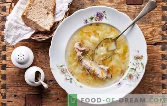Wiosenne menu ludowe - zapiekanka z kiszonej kapusty. Gotowanie zupy rybnej, mięsnej, grzybowej i chudej z kapustą