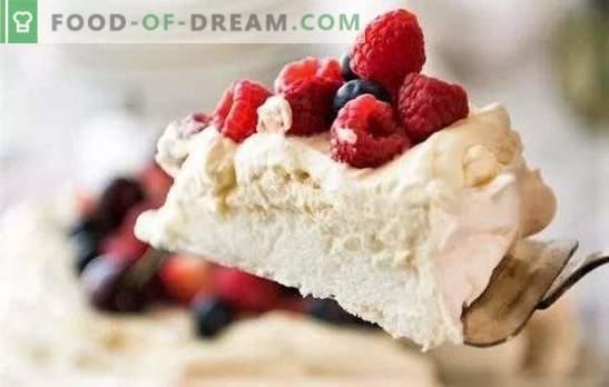 """Deser """"Anna Pavlova"""" jest smaczny i prosty. Najlepsze przepisy na pyszny deser """"Anna Pavlova"""" z orzechami, czekoladą, malinami"""