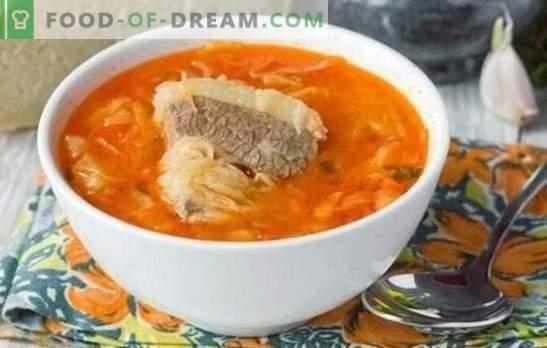 Zupa w bulionie mięsnym - zawsze prawda! Gotowanie pachnącej, smacznej kapuśniaku na bulionie mięsnym ze świeżej i kapusty kiszonej według najlepszych przepisów
