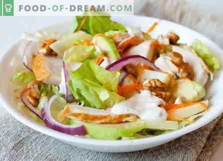 Sałatka z wędzonym kurczakiem - najlepsze przepisy. Jak właściwie i smacznie gotować sałatkę z wędzonym kurczakiem.
