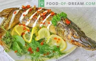 Szczupak w piekarniku: przepisy krok po kroku na pieczone i duszone ryby. Sprawdzone przepisy krok po kroku na szczupaka w piekarniku, całe i w kawałkach