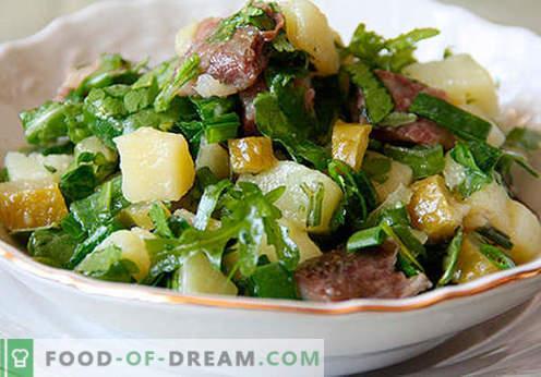 Sałatka z ogórkami kiszonymi - wybór najlepszych przepisów. Jak prawidłowo i smacznie przygotować sałatkę z marynowanymi ogórkami.