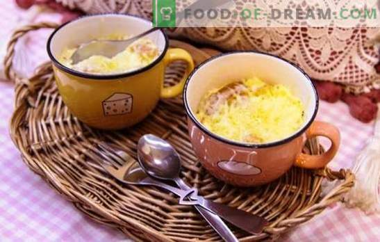 Uova fritte nel microonde: cuoce velocemente. Uova fritte nel microonde con salsiccia, salsicce, verdure, funghi
