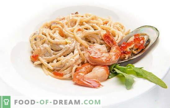 Spaghetti z owocami morza, pomidorami, serem, szpinakiem i bazylią. Przepisy na spaghetti z owocami morza i sosami dla nich