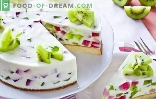 Ciasto z galaretką i owocami: kolorowy deser na herbatę! Warianty ciast z galaretką i owocami, jagodami, twarogiem i ciastkami