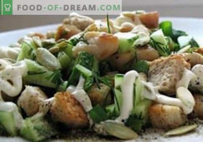 Sałatka z kirieshkami - sprawdzone przepisy. Jak właściwie i smacznie gotować sałatkę z kirieshkami.
