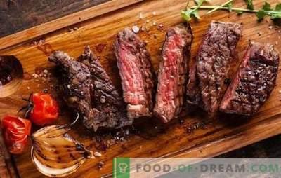 Błędy w gotowaniu mięsa. Dlaczego okazało się suche i twarde, pachnie źle lub gorzko: jak to naprawić?