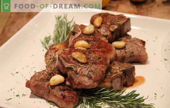 La carne con l'aglio è un tripudio di gusto! Diverse ricette di carne con aglio e formaggio, pomodori, patate, panna acida, maionese