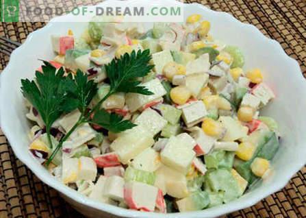Sałatka z awokado i paluszkami kraba - najlepsze przepisy. Jak właściwie i smacznie przygotować sałatkę z awokado i paluszków kraba.
