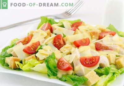"""Chicken Caesar Salad - najlepsze przepisy. Jak prawidłowo i smacznie przygotować sałatkę """"Kurczak Cezar"""""""