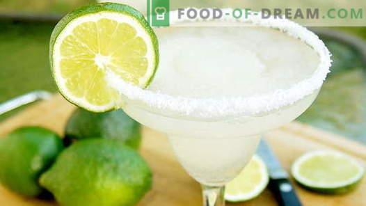 30 najlepszych przepisów na koktajle alkoholowe i bezalkoholowe na imprezę w domu