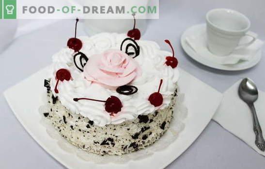 Ciasto z bitą śmietaną - rozkosz na podniebieniu. Przepisy na ciasta z bitą śmietaną: herbatniki, miód, czekolada, owoce