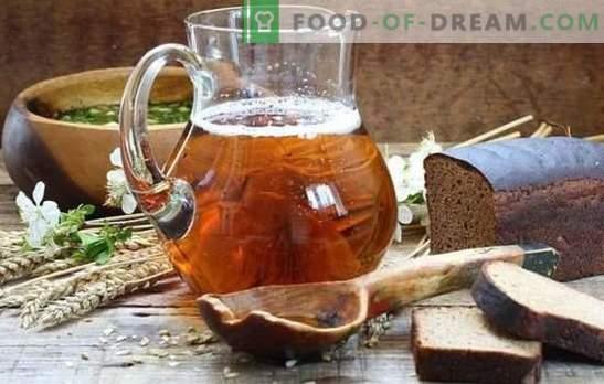 Domowy kwas chlebowy (przepis krok po kroku) jest naturalnym napojem orzeźwiającym. Przepis krok po kroku na domowy kwas drożdżowy i drożdże