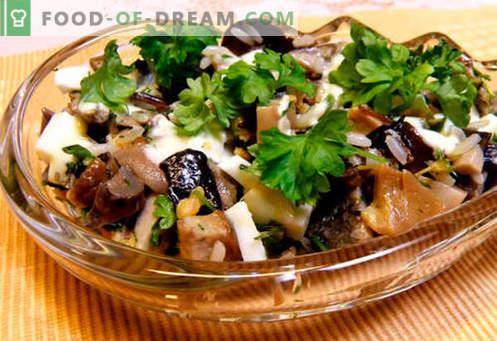 Sałatki z marynowanymi pieczarkami - pięć najlepszych przepisów. Jak poprawnie i smacznie przyrządzić sałatki z marynowanymi pieczarkami.