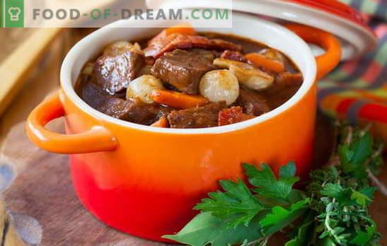 Gulasz wieprzowy - gotujemy z przyjemnością! Różne przepisy gulaszu wieprzowego z warzywami, kaszą gryczaną, ryżem, fasolką szparagową