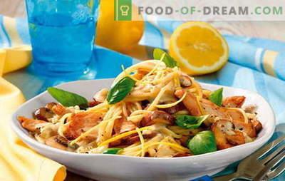 Makaron z filetem z kurczaka - pełna harmonia! Przepisy na dania z makaronu z filetem z kurczaka i warzywami, pieczarkami, boczkiem, sosami