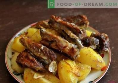 Kotleciki jagnięce z ziemniakami w piekarniku