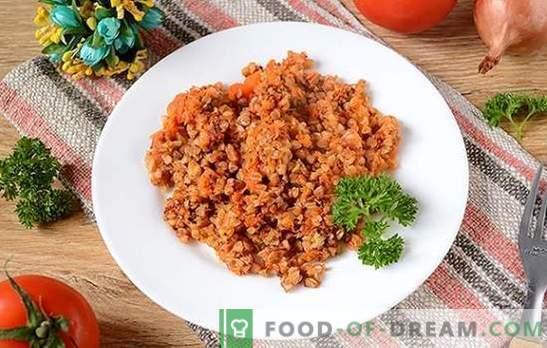 Kasza gryczana w sosie pomidorowym: jedzenie dla sportowców i utrata wagi może być pyszne! Prosty przepis na grykę w aromatycznym sosie pomidorowym